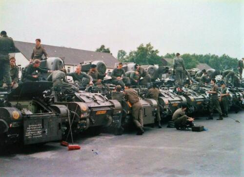 1980 103 Verkbat Onderhoud op de plaat