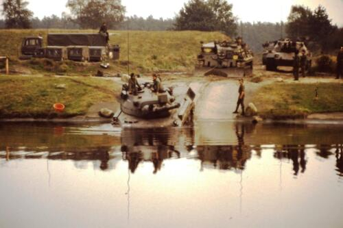 1980 1981 A Esk 103 Verkbat 4. Schieten varen oefening en ouderweekend. Inzender Wmr Arthur Vuijk
