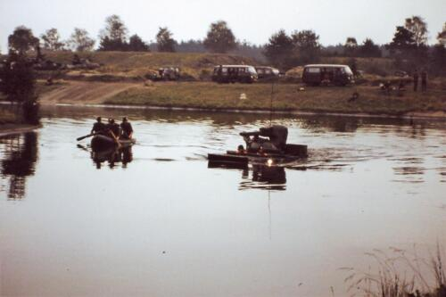1980 1981 A Esk 103 Verkbat 7. Schieten varen oefening en ouderweekend. Inzender Wmr Arthur Vuijk