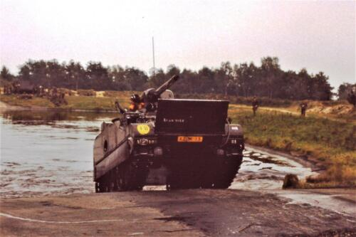 1980 1981 A Esk 103 Verkbat 8. Schieten varen oefening en ouderweekend. Inzender Wmr Arthur Vuijk li