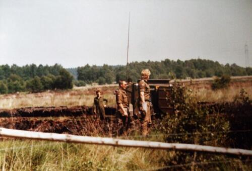 1980 1986 Berging m.b.v. 42 BLJ van een M113 B Esk uit de turf. Inz Jan Cremers 10