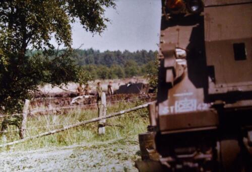1980 1986 Berging m.b.v. 42 BLJ van een M113 B Esk uit de turf. Inz Jan Cremers 9