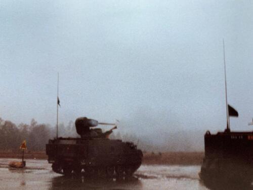 1980 A-Esk 103 Verkbat Schietserie Bergen-Hohne; Koud, erg koud en de boordkachels waren kapot! (John Emmen).