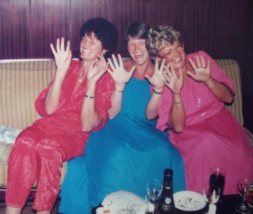 1981 1986 SSV Esk Dames op een rij. o.a. Mevr Mulders .