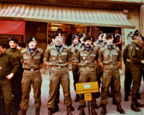 1981 A Esk 103 Verkbat Deelname Boeselager. Huldiging van de teams. Inz. Pedro Haans 2