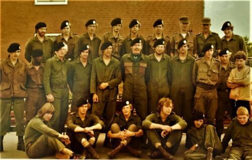 1981 A-Esk 103 Verkbat 2e Pel; Midden PC Tlnt Ad Koevoets, Li boven Wmr I Mullers. Li Wmr Hochstenbach, Re Wmr Dekkers