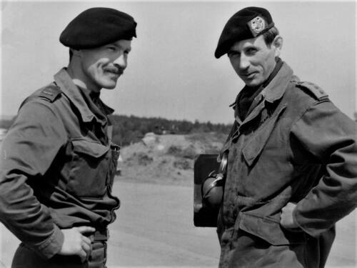 1983-09-02 103 Verkbat; Schietserie, PBC Maj Renie Meeder en S3 Ritmeester Jaques Bogmans. (Fotoboek Maj Meeder) (3)