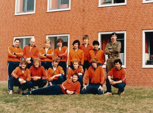 1983 103 Verkbat Boeselagerteam o.l.v. Elnt Ad Koevoets en links Wmr I Jos Vluggen