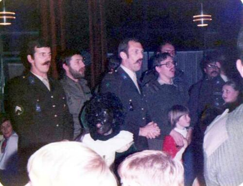 1983 12 05 103 Verkbat Sinterklaasviering Kuijpers Sinderdinck Reitsma Leemput de Kreij