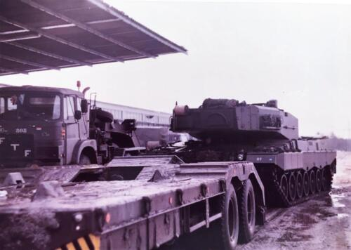 1983 1984 A Esk 103 Verkbat Parkeerplaats Seedorf einde oef. Lichting 83 5 Foto Nicky van Nimwegen