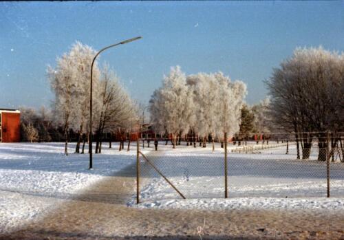 1983 1987 B Esk 103 Verkbat Besneeuwde legerplaats Seedorf rond de jaarwisseling Inz. Wmr I Jan Pol 6