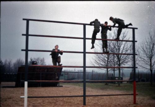 1983 1987 B Esk 103 Verkbat Boeselager Hindernisbaan ook die in Seedorf. Inz. Wmr I Jan Pol 10