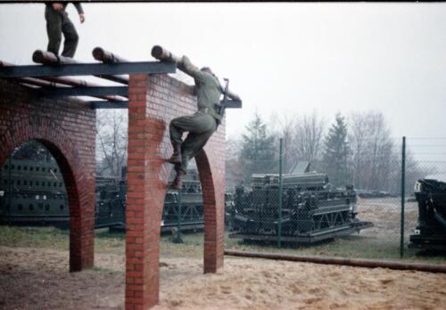 1983 1987 B Esk 103 Verkbat Boeselager Hindernisbaan ook die in Seedorf. Inz. Wmr I Jan Pol 11
