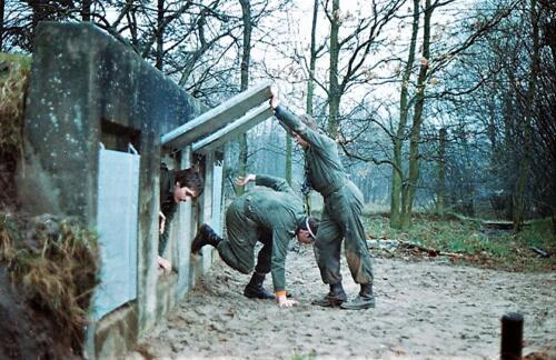 1983 1987 B Esk 103 Verkbat Boeselager Hindernisbaan ook die in Seedorf. Inz. Wmr I Jan Pol 27