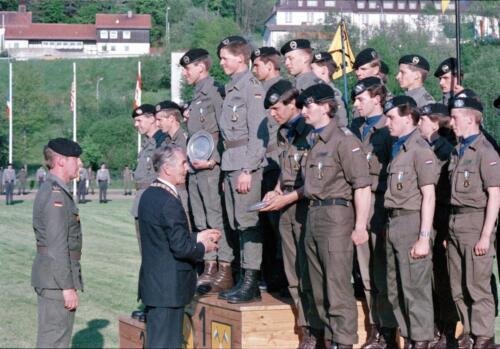1983 1987 B Esk 103 Verkbat Boeselager wedstrijden De winnende ploegen en de bewonderaars. Inz. Wmr I Jan Pol 14