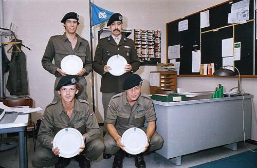 1983 1987 B Esk 103 Verkbat Boeselager wedstrijden De winnende ploegen en de bewonderaars. Inz. Wmr I Jan Pol 15