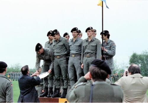 1983 1987 B Esk 103 Verkbat Boeselager wedstrijden De winnende ploegen en de bewonderaars. Inz. Wmr I Jan Pol 21
