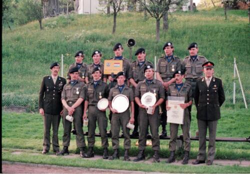 1983 1987 B Esk 103 Verkbat Boeselager wedstrijden De winnende ploegen en de bewonderaars. Inz. Wmr I Jan Pol 5