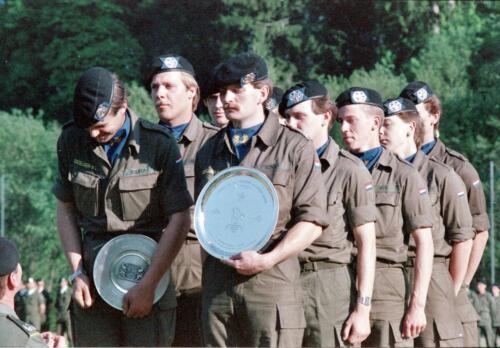 1983 1987 B Esk 103 Verkbat Boeselager wedstrijden De winnende ploegen en de bewonderaars. Inz. Wmr I Jan Pol 7