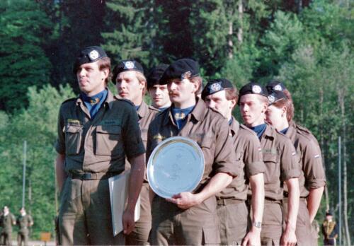 1983 1987 B Esk 103 Verkbat Boeselager wedstrijden De winnende ploegen en de bewonderaars. Inz. Wmr I Jan Pol 8