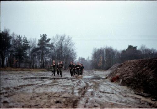 1983 1987 B Esk 103 Verkbat Boeselager wedstrijden Fysieke testen Hardloopparcours. Inz. Wmr I Jan Pol jpg 16a.
