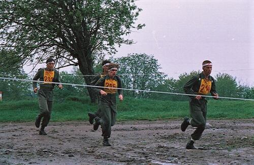 1983 1987 B Esk 103 Verkbat Boeselager wedstrijden Fysieke testen Hardloopparcours. Inz. Wmr I Jan Pol jpg 17