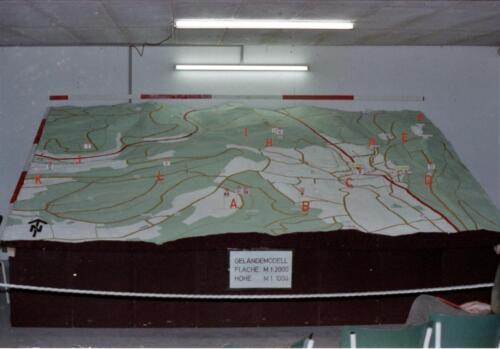 1983 1987 B Esk 103 Verkbat Boeselager wedstrijden Fysieke testen Hardloopparcours. Inz. Wmr I Jan Pol jpg 1a