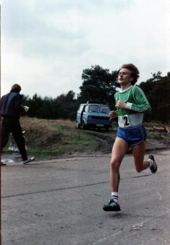 1983 1987 B Esk 103 Verkbat Boeselager wedstrijden Fysieke testen Hardloopparcours. Inz. Wmr I Jan Pol jpg 4