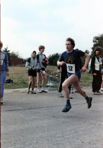 1983 1987 B Esk 103 Verkbat Boeselager wedstrijden Fysieke testen Hardloopparcours. Inz. Wmr I Jan Pol jpg 5