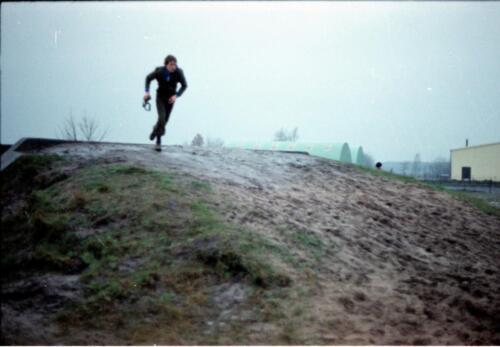 1983 1987 B Esk 103 Verkbat Boeselager wedstrijden Fysieke testen Hardloopparcours. Inz. Wmr I Jan Pol jpg 9