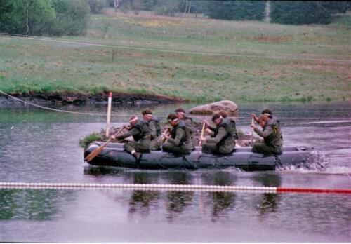 1983 1987 B Esk 103 Verkbat Boeselager wedstrijden Fysieke testen Roeien en zwemmen. Inz. Wmr I Jan Pol 1