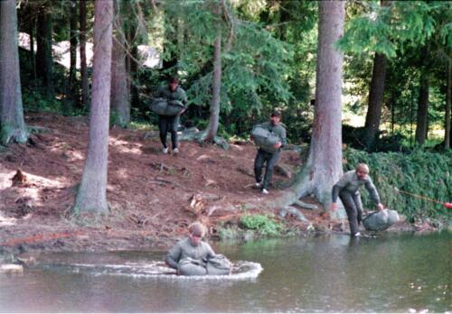 1983 1987 B Esk 103 Verkbat Boeselager wedstrijden Fysieke testen Roeien en zwemmen. Inz. Wmr I Jan Pol 10