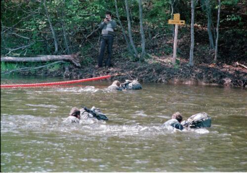 1983 1987 B Esk 103 Verkbat Boeselager wedstrijden Fysieke testen Roeien en zwemmen. Inz. Wmr I Jan Pol 11.