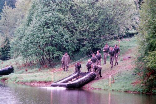 1983 1987 B Esk 103 Verkbat Boeselager wedstrijden Fysieke testen Roeien en zwemmen. Inz. Wmr I Jan Pol 15.