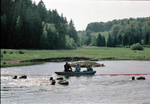 1983 1987 B Esk 103 Verkbat Boeselager wedstrijden Fysieke testen Roeien en zwemmen. Inz. Wmr I Jan Pol 9