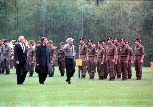 1983 1987 B Esk 103 Verkbat Boeselager wedstrijden. Opstelling en defile. Inz. Wmr I Jan Pol 35