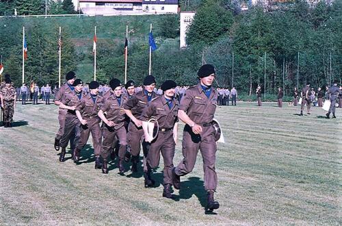 1983 1987 B Esk 103 Verkbat Boeselager wedstrijden. Opstelling en defile. Inz. Wmr I Jan Pol 59