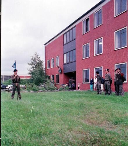 1983 1987 B Esk 103 Verkbat Commando overdracht 26 08 1984 Ritm Pruyssenaere aan Ritm vd Bos. 10