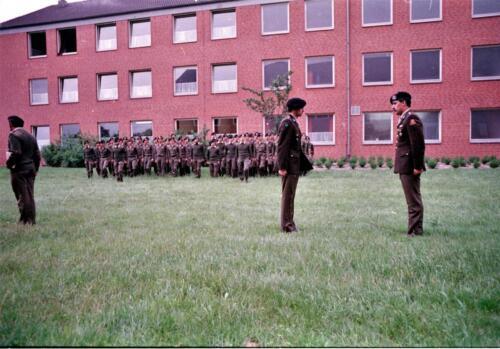 1983 1987 B Esk 103 Verkbat Commando overdracht 26 08 1984 Ritm Pruyssenaere aan Ritm vd Bos. 14