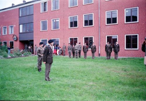 1983 1987 B Esk 103 Verkbat Commando overdracht 26 08 1984 Ritm Pruyssenaere aan Ritm vd Bos. 15
