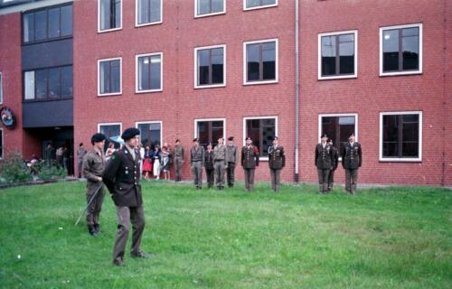 1983 1987 B Esk 103 Verkbat Commando overdracht 26 08 1984 Ritm Pruyssenaere aan Ritm vd Bos. 3