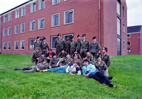 1983 1987 B Esk 103 Verkbat Commando overdracht 26 08 1984 Ritm Pruyssenaere aan Ritm vd Bos. 4