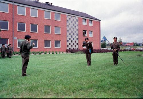 1983 1987 B Esk 103 Verkbat Commando overdracht 26 08 1984 Ritm Pruyssenaere aan Ritm vd Bos. 7