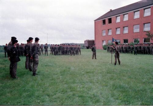1983 1987 B Esk 103 Verkbat Commando overdracht 26 08 1984 Ritm Pruyssenaere aan Ritm vd Bos. 8