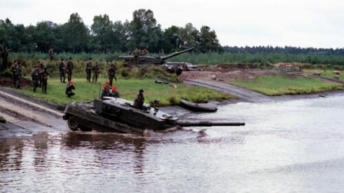 1983 1987 B Esk 103 Verkbat Diepwaden met Leopard II Inz. Wmr I Jan Pol 1