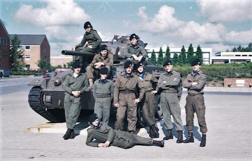1983 1987 B Esk 103 Verkbat Groeps en vtgbemanningen bij de CV Wmr I Jan Pol 44