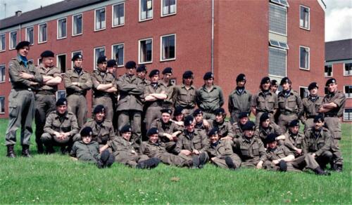 1983 1987 B Esk 103 Verkbat Groeps en vtgbemanningen bij gebouw Inz. Wmr I Jan Pol 2