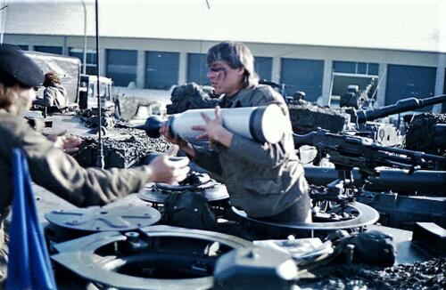 1983 1987 B Esk 103 Verkbat Munitiebeladingsoefening op de legerplaats Seedorf Inz. Wmr I Jan Pol 13