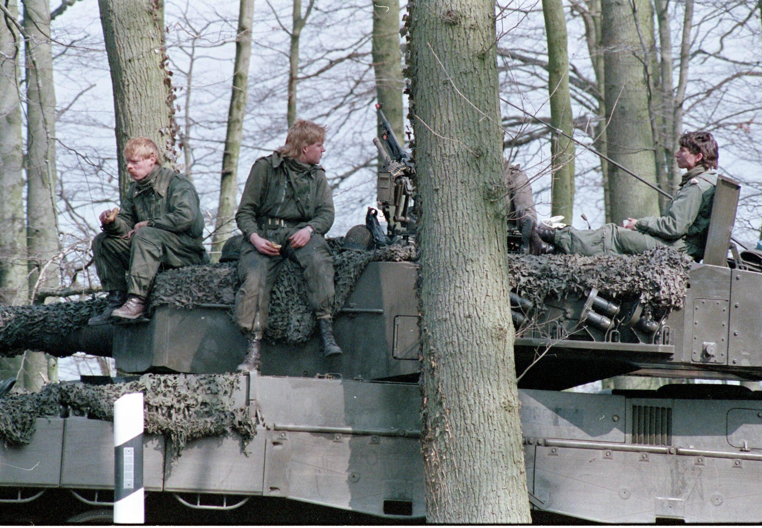 1983 1987 B Esk 103 Verkbat Veel oefeningen Inz. Wmr I Jan Pol 52