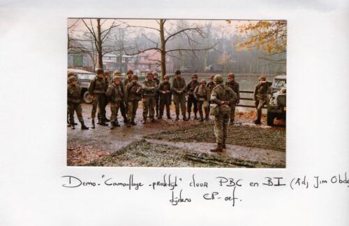 1984-08-25 103 Verkbat Oef Wildbaan; BI Obdeijn, BC Reitsma, Wmr Vieane e.a. Fotoboek Maj PBC Meeder